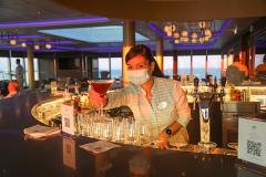 Crystal-Endeavor_Palm-Court_Bar_Crystal-Cruises_Island_21