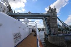 Silver-Cloud_Tower-Bridge_London © Michael Wolf